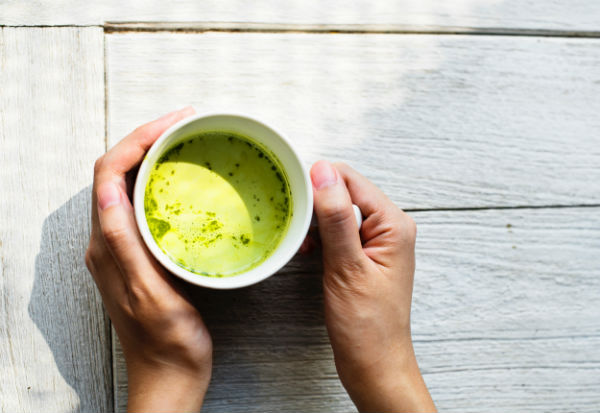 ippodo tea hands with matcha