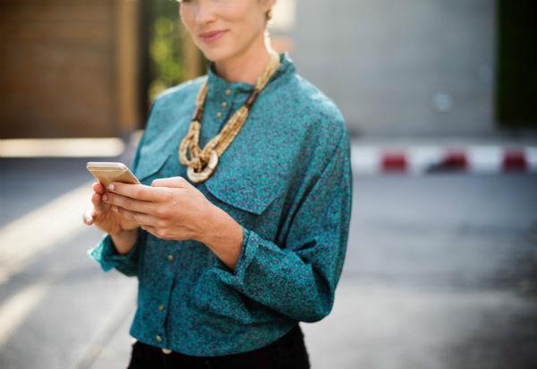 hemp legalization woman shopping online
